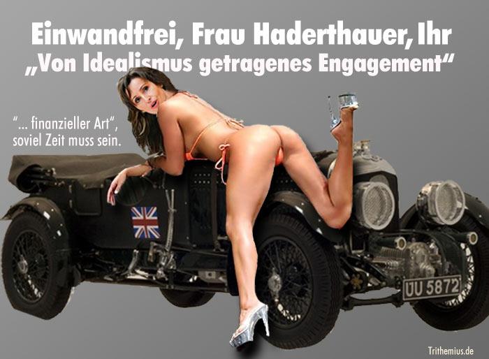 Christine Haderthauer posiert halbnackt auf Modellauto